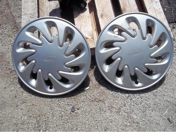 Ford Hubcap (2)