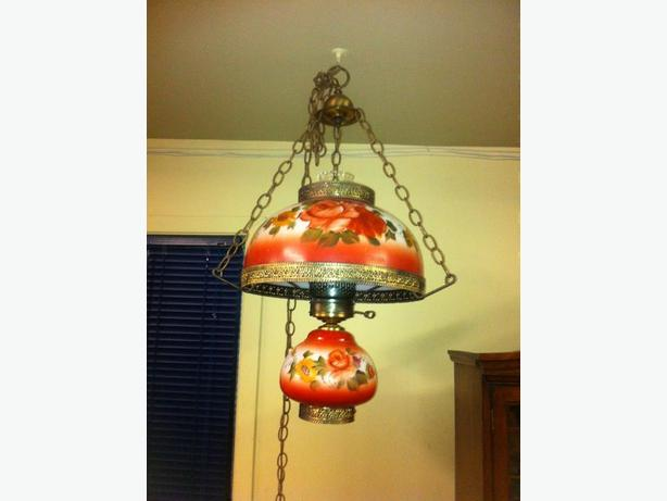 ANTIQUE STYLE HANGING LAMP