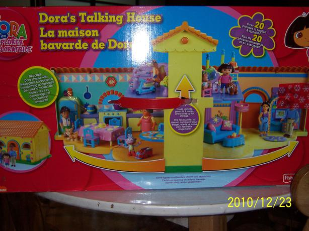 Dora's Talking Dollhouse - Like New with accessories  -  CASSELMAN