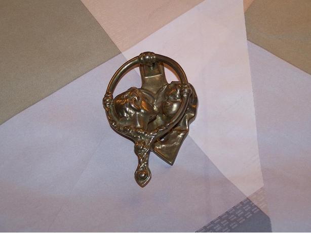 Victorian antique brass boy girl kissing door knocker wedding gift
