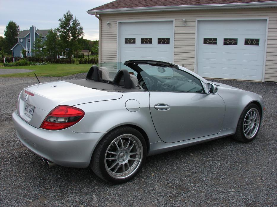 2009 mercedes benz slk 300 hardtop convertible brembo oz for Mercedes benz bay ridge