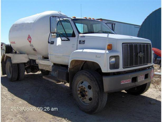 2000 GM C7500    <<< PROPANE BOBTAIL>>>