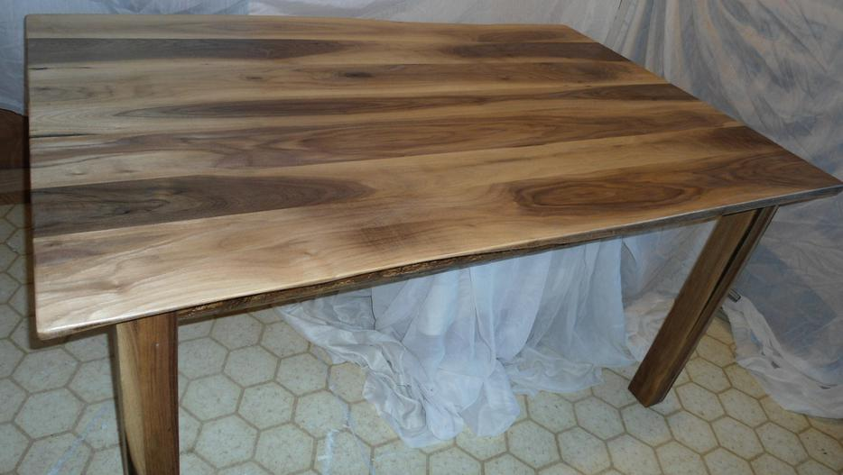 New Live Edge Black Walnut Rustic Dining Table South East  : 34540056934 from www.usedcalgary.com size 934 x 527 jpeg 56kB
