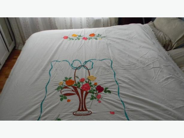 Mexican embroidered tablecloth or bedspread victoria city Mexican embroidered bedding