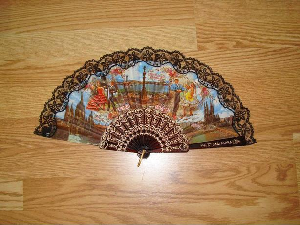 New Beautiful European Foldable Fan - Excellent Condition!