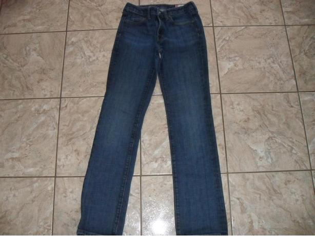 Ladies Classic Gap Jeans - Size 2L (Fits Like Sz.6)