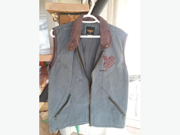 Brandnew denim vest w/native embroidery