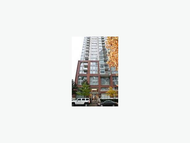 Bright and Clean 2 Bedroom 2 Bath Furnished Condo with Views in Crosstown #607