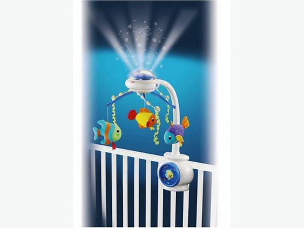 Fisher price ocean wonders projection mobile with remote for Fisher price fish bowl