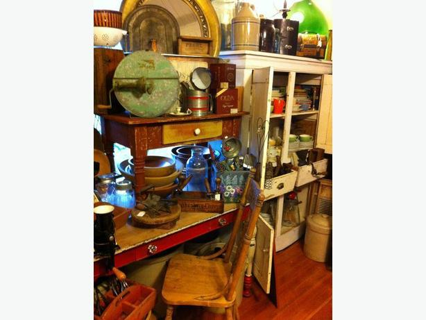 Wanted: Vintage & Antique Furniture!
