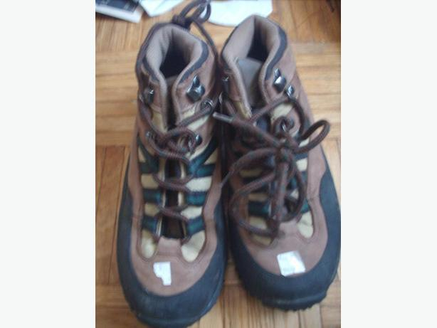 Genyly Used Men's Shoes