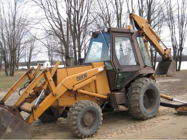 CASE BACK HOE 580 SE 4X4