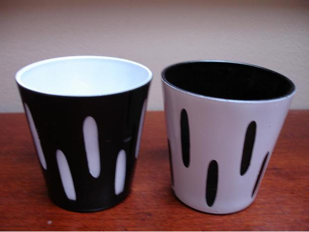 Like New Set of 2 Nice Black/White Modern Retro Ceramic Candle Holders