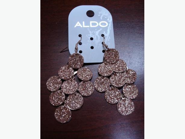 Brand New Nice Sparkling Gold ALDO Drop Earrings