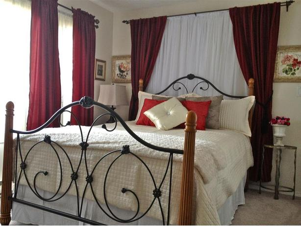 Serene Suite In Victoria Bc nr Ocean/forest w/Hot tub