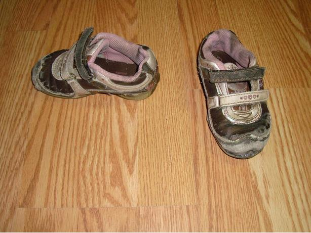 Size 7 Toddler Barbie Running Shoes Runners For Sale!