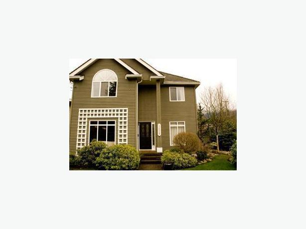 Well Designed Modern Fully Furnished Garden Suite - North Vancouver #512