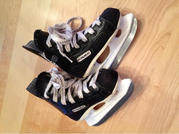 Bauer Ice Skates, Children's Size Y9