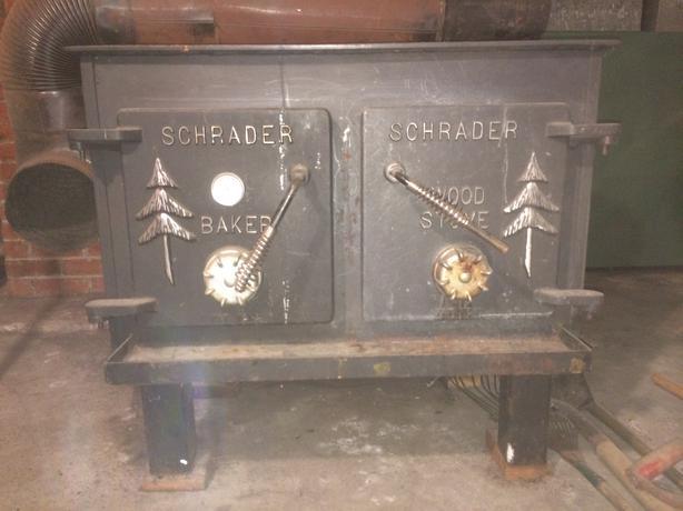 Schrader Baker/Wood stove Outside Nanaimo, Nanaimo