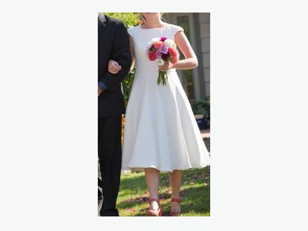 Wedding Dress Alterations Halifax : Wedding dress vintage s style silk new central saanich
