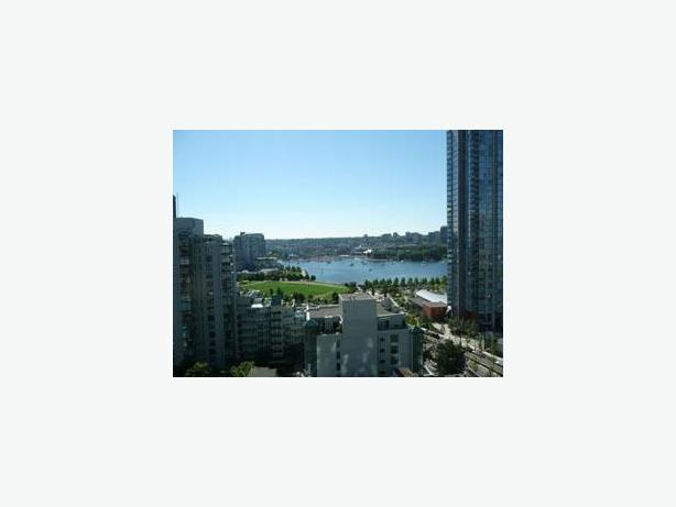 Sophisticated Fully Furnished 1 Bedroom + Den Condo for Rent in Yaletown #403