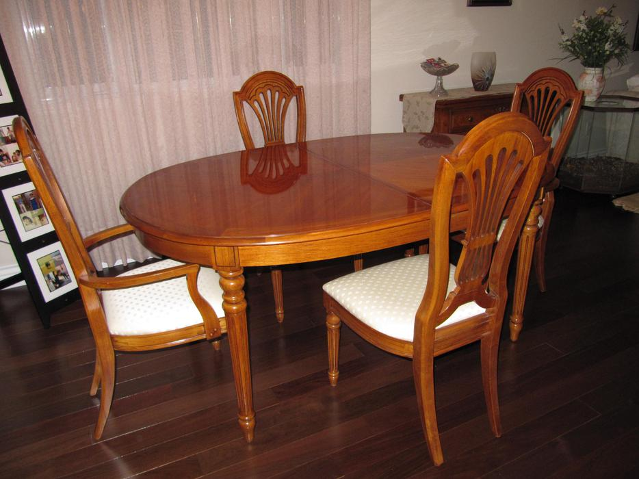 thomasville pecan dining room set like new montreal