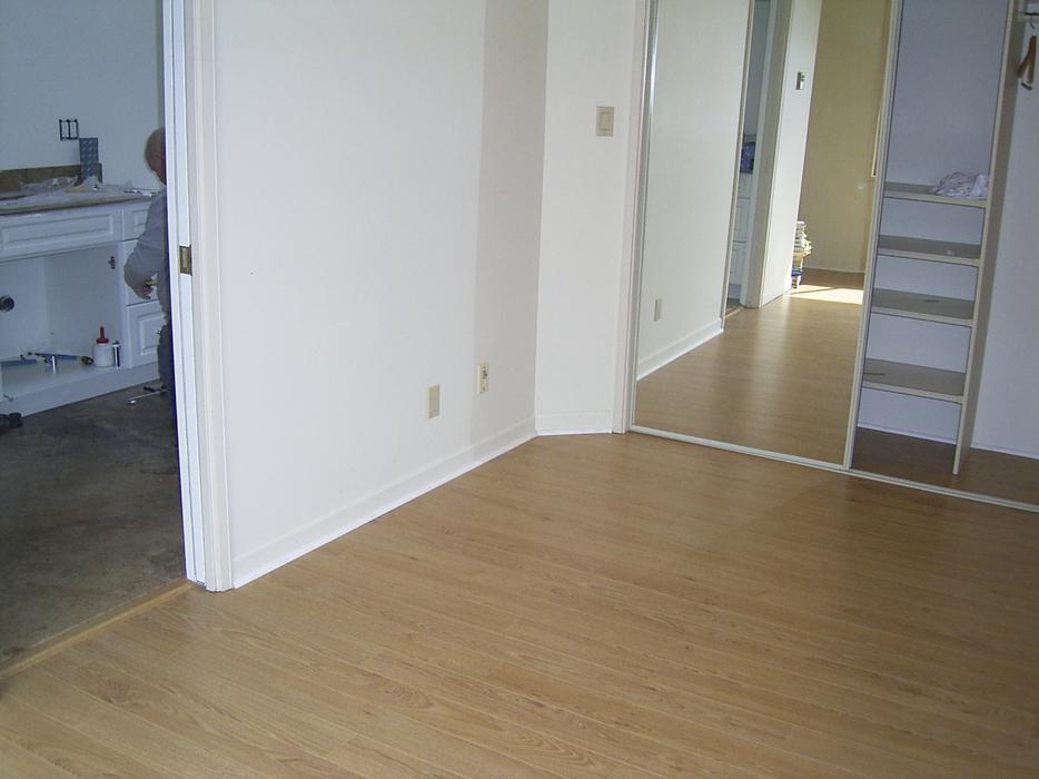 Hardwood laminate vinyl plank cork flooring for Laminate flooring cork