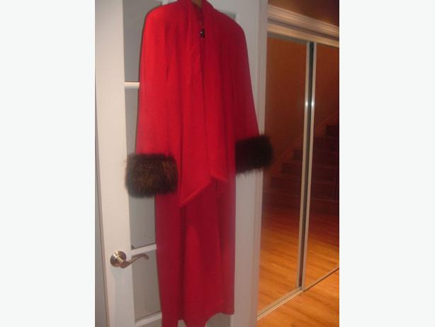 THE COAT COMPANY WOMENS RED SIZE 6-8 100% LAMBS WOOL LONG COAT