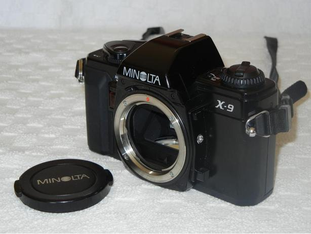 CAMERA MINOLTA X-9 35mm with accessories