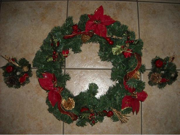 WREATH AND MINI WREATHS