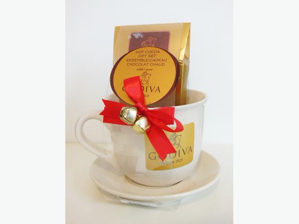 godiva hot cocoa gift set