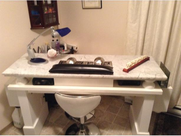 Obo nail technician table price dropped must sell west for Nail technician table