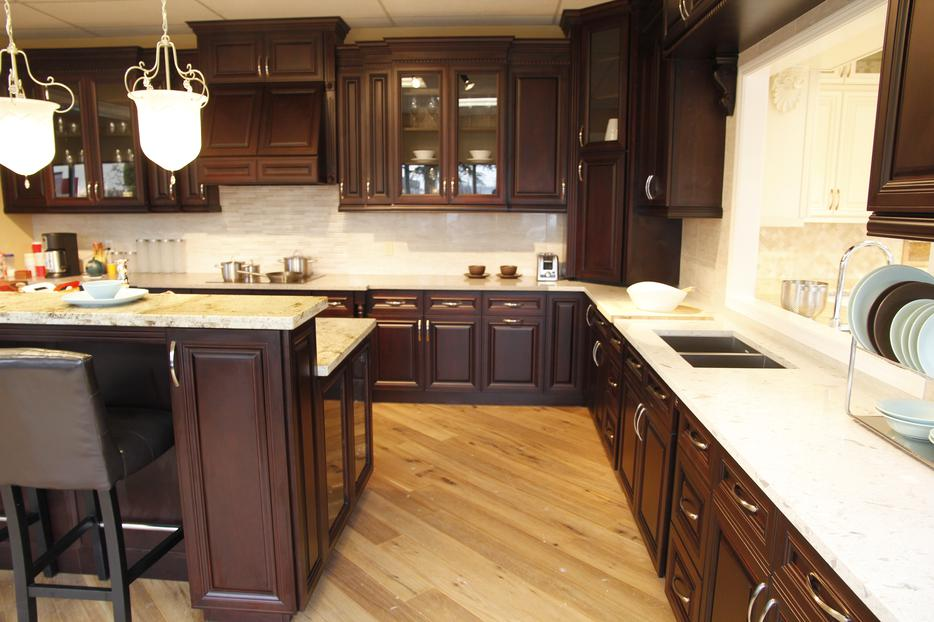 Kitchen and bathroom cabinets victoria city victoria for Kitchen cabinets victoria