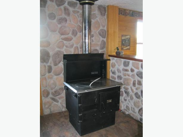 Baker's Choice Wood Cookstove Amish Made ULC Certified New