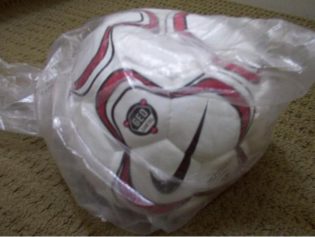 Nike Geo Santos Club Team Ball Size 5