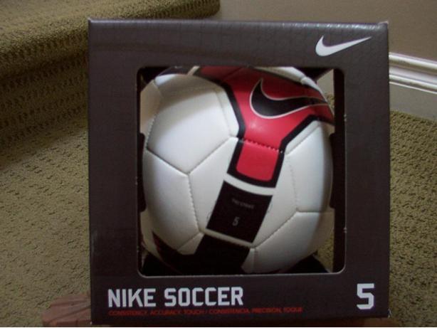 Nike T90 Strike RedBlk Size 5