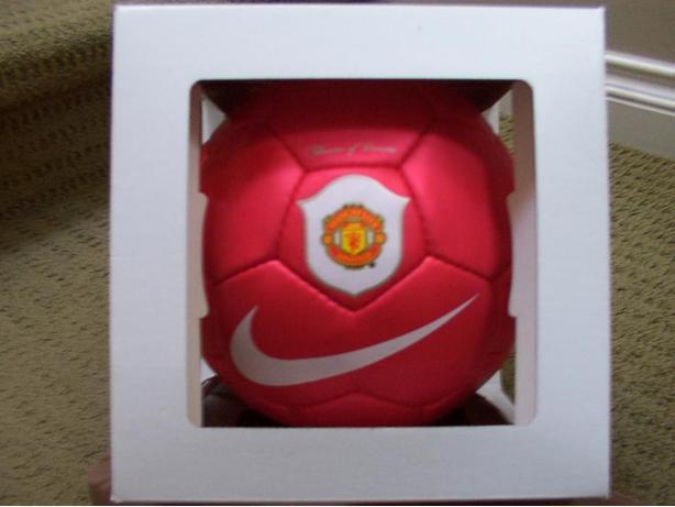 """Nike """"Theatre of Dreams"""" Manchester United Club Replica Ball Size 5"""