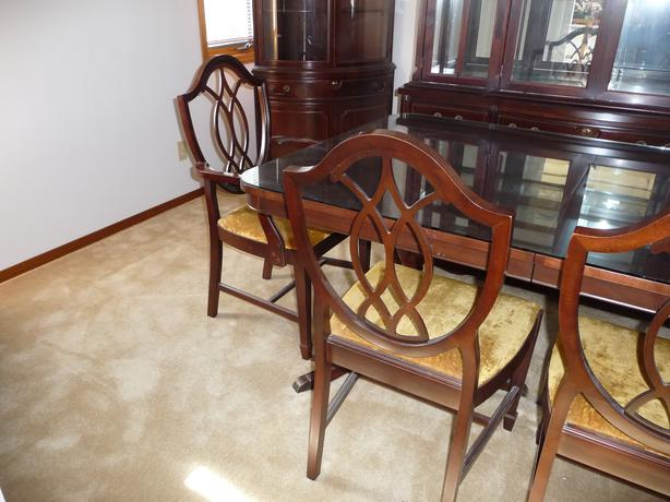 Mahogany Dining Room Set By Knechtel
