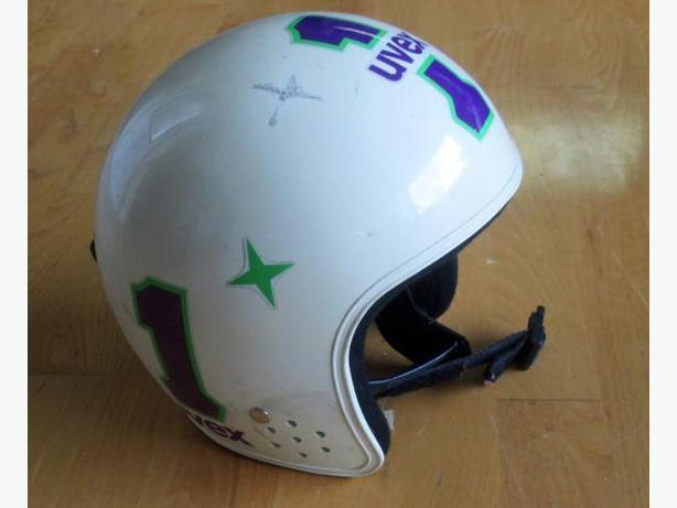 Ski Race Helmet ~ Youth size 46cm to 49cm