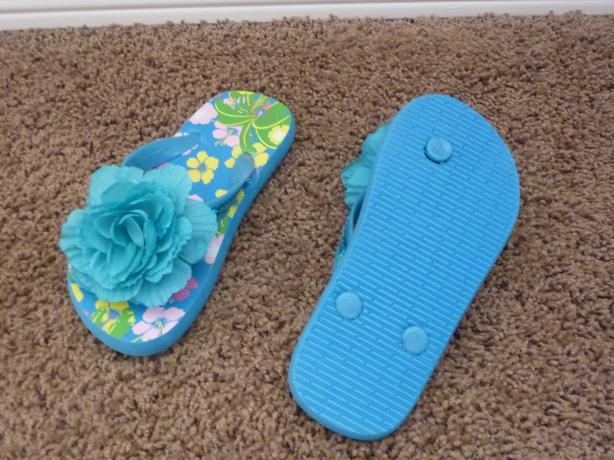 Sandals - Size 7