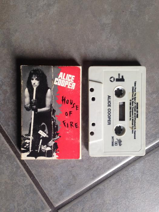 Alice cooper house of fire single classic hard rock for Classic hard house tunes