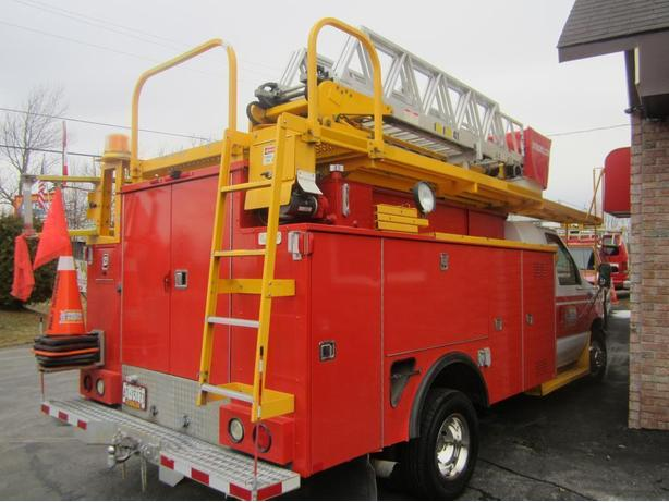 2000  Ford  Bucket Truck E-450 Super Duty Price Reduced !