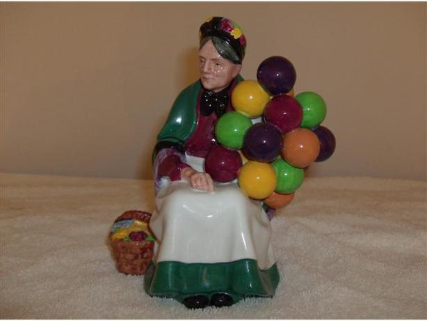 Old Balloon Seller (H N 1315) - Royal Doulton