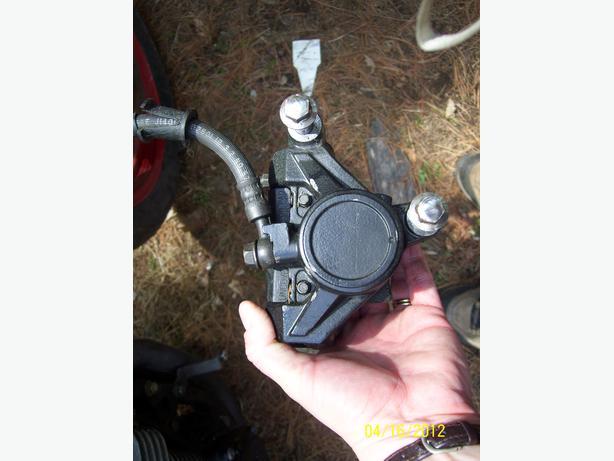 Yamaha FJ600 front brake calipre brake lines master cylinder