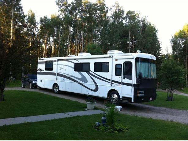 2001 Class A Fleetwood Discovery 38d Motorhome For Sale