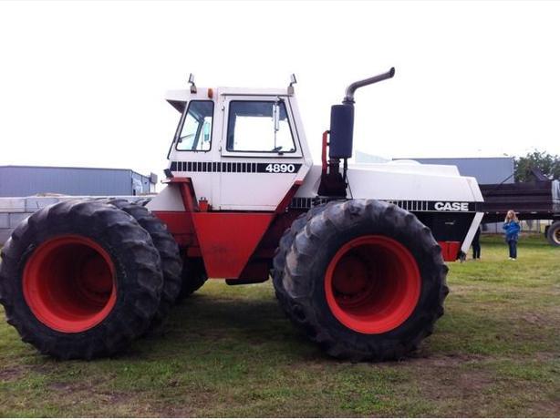 Case Tractors Four Wheel Drive : Case hp tractor wpto mile