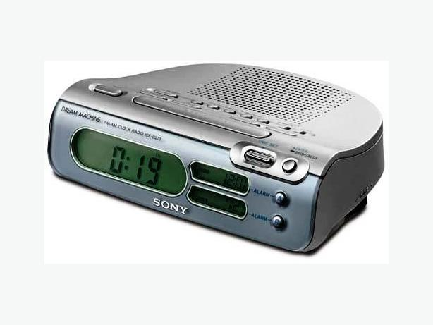 sony icf c273 dream machine digital clock radio am fm 15 preset calendar central ottawa. Black Bedroom Furniture Sets. Home Design Ideas