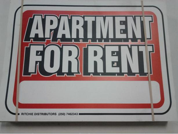 "Pack of 100 ""Apartment For Rent"" Signs"