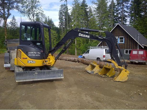 Mini Excavator, Bobcat and Trucking