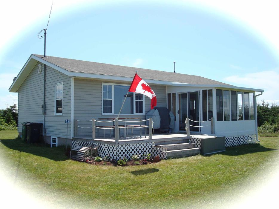 Oceanview Beach Cottage For Sale Thundercove Beach Pei